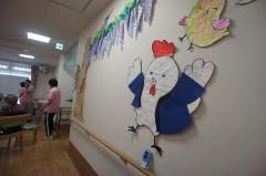 ①元気なニワトリの壁絵が完成